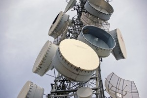 Parabolic_antennas_on_a_telecommunications_tower_on_Willans_Hill