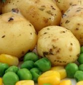 African recipe: Irio (mashed potatoes and peas with corn)
