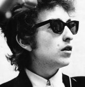 US singer Bob Dylan has been awarded the 2016 Nobel Prize for Literature
