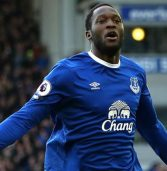 Manchester United agree £75m fee with Everton for Lukaku