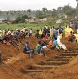 Mass burial for Sierra Leone mudslide victims