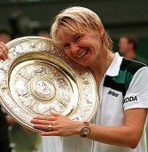 Former Wimbledon champion, Jana Novotna, dies at age of 49