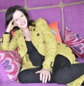 Carolyn Steyn, the lady behind the '67 Blankets for Nelson Mandela Day'