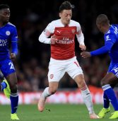 Arsenal sweep Leicester aside