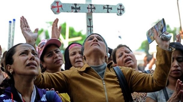 Egypt police 'kill 19 attackers' – Coptic Christian attack