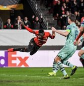 Ten men Arsenal lose to Rennes